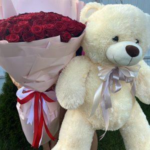 букет 101 красная роза и большой мишка фото
