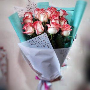 15 троянд Джумілія в букеті Королева