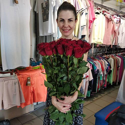 Фото товара роза красная импортная