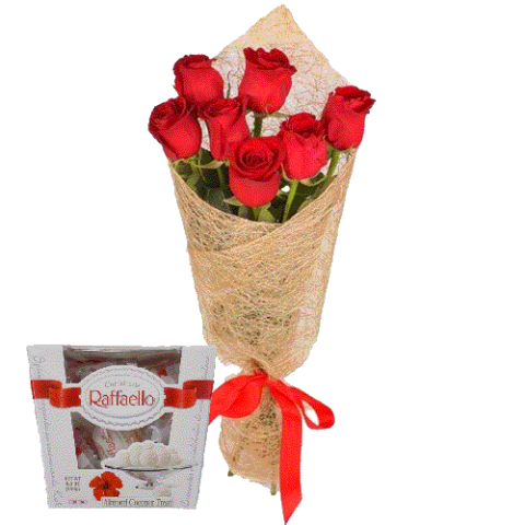 7 красных роз и коробка рафаэлло фото