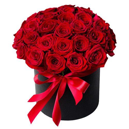 букет 33 розы в шляпной коробке
