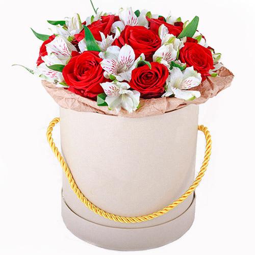 """Шляпная коробка """"Привет"""" розы и альстромерии"""