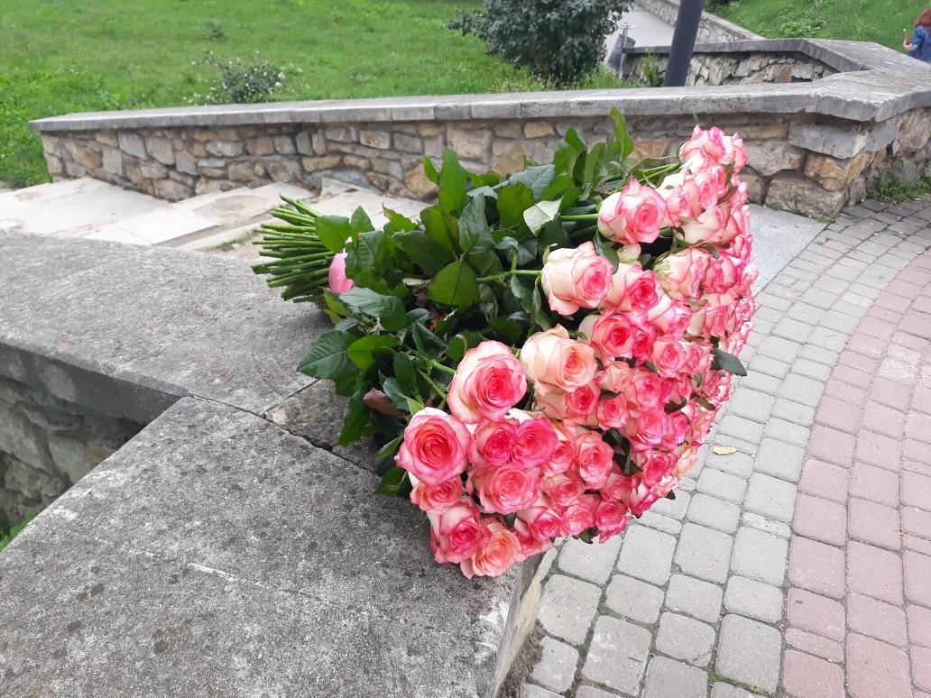 101 роза Доставка цветов Бердянск