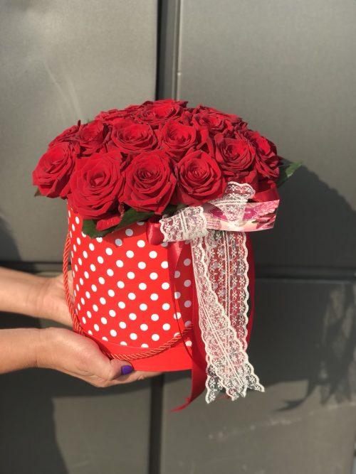 Шляпная коробочка розы фото