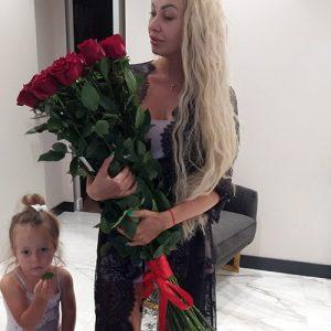 букет 15 импортных роз в Бердянске фото