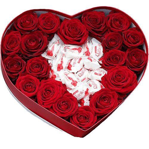 """Коробочка """"Сладкая любовь"""" розы и рафаэлло"""