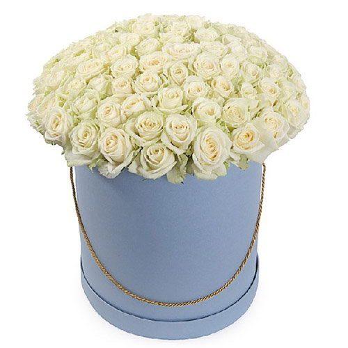 фото 101 роза белая в шляпной коробке