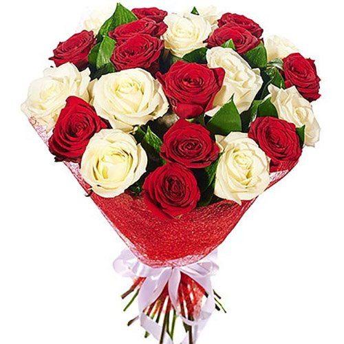 """Букет """"Соблазн"""" 21 красная и белая роза"""
