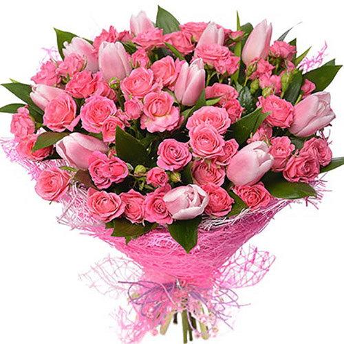 """Букет """"Чары"""" кустовые розы и тюльпаны"""