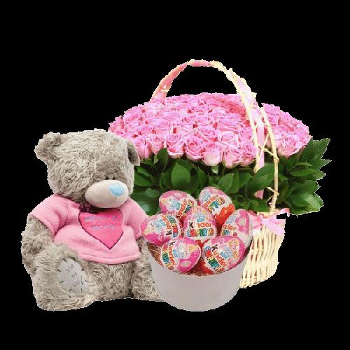 101 роза Аква в корзине, шоколадные киндеры и мягкая игрушка