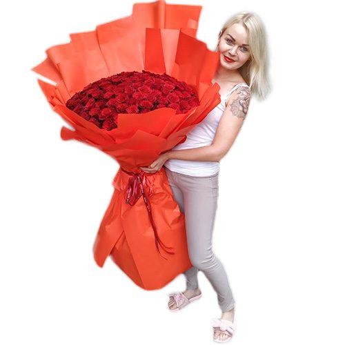букет 101 метровая роза