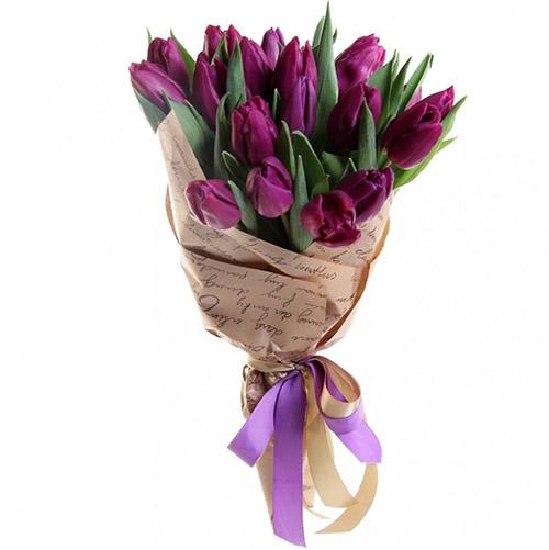 21 пурпурный тюльпан в крафт