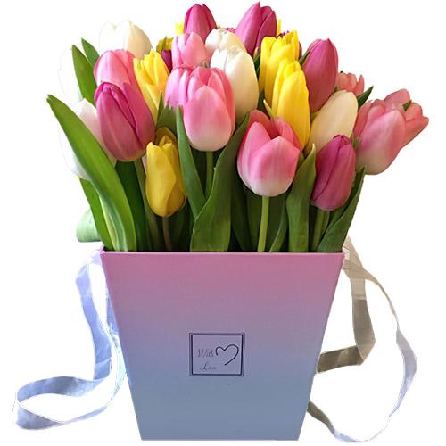 51 тюльпан микс (белый, жёлтый, розовый) в квадратной коробке фото