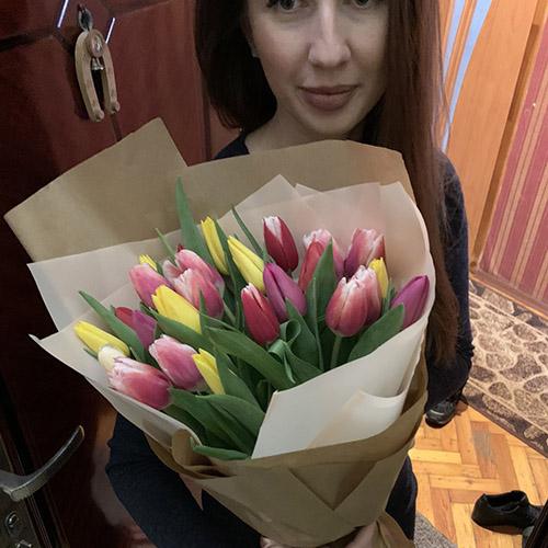 Букет тюльпанов фотоотчёт доставки