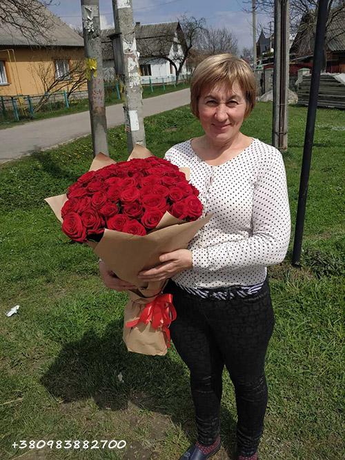 фотоотчёт вручения букета из 51 красной розы