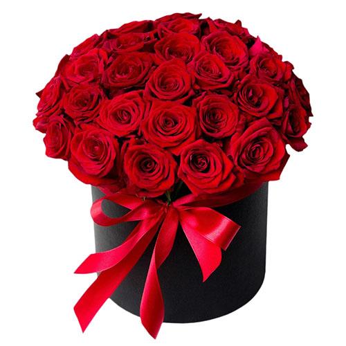 Фото товара 33 троянди в капелюшній коробці