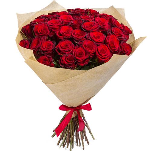 Фото товара 35 червоних троянд