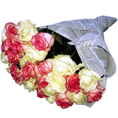 Фото товара 33 кремові та рожеві троянди