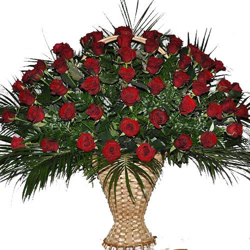 Фото товара Корзина 100 роз в папоротнике