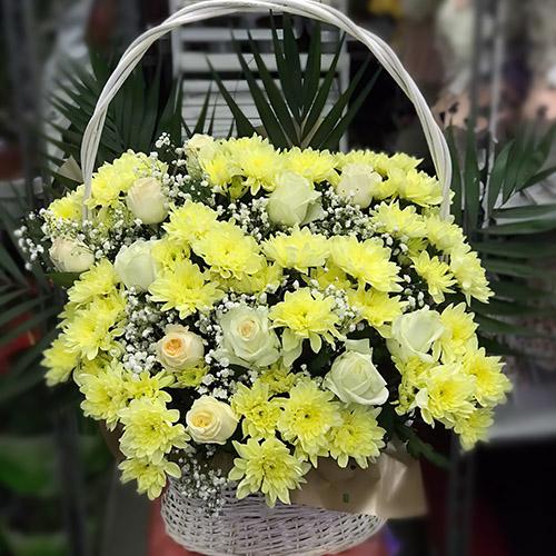 """Фото товара Кошик """"Жовті хризантеми та троянди"""""""