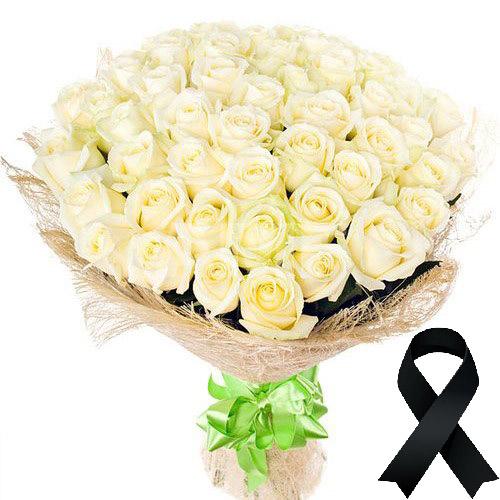 Фото товара 50 білих троянд