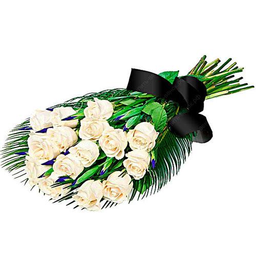 Фото товара 16 білих троянд