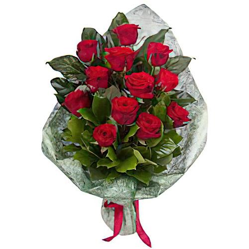 Фото товара 12 червоних троянд